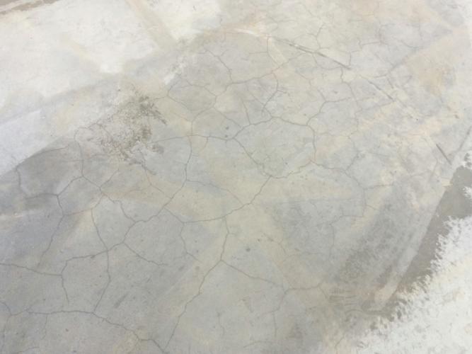 Fessure tipiche da carbonatazione dopo 9 mesi dal getto 2