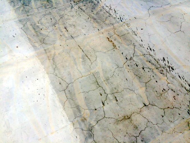 Fessure tipiche da carbonatazione dopo 9 mesi dal getto